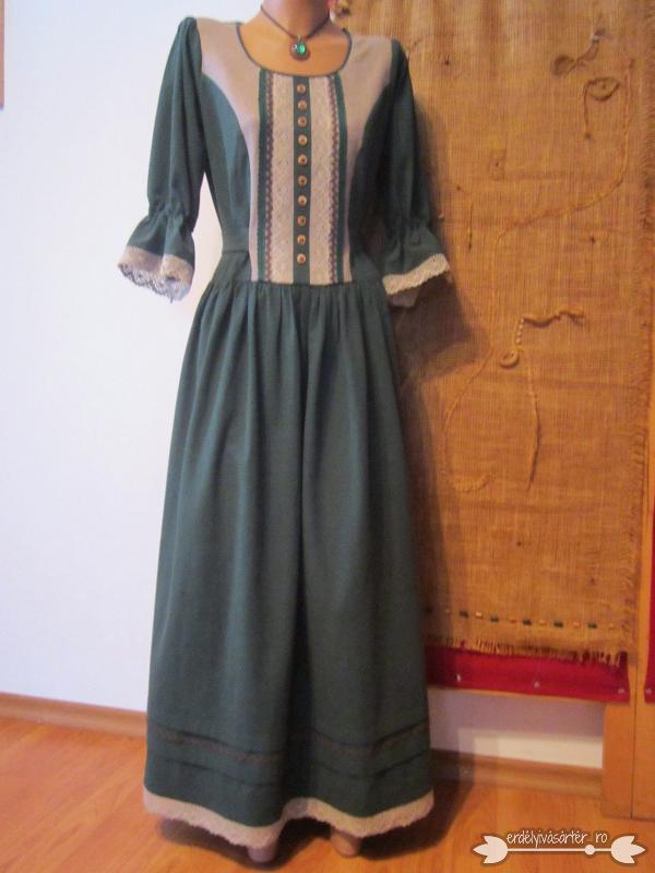 4497771cba Erdélyivásártér - Zöld vászonból készült csipkés, népies ruha