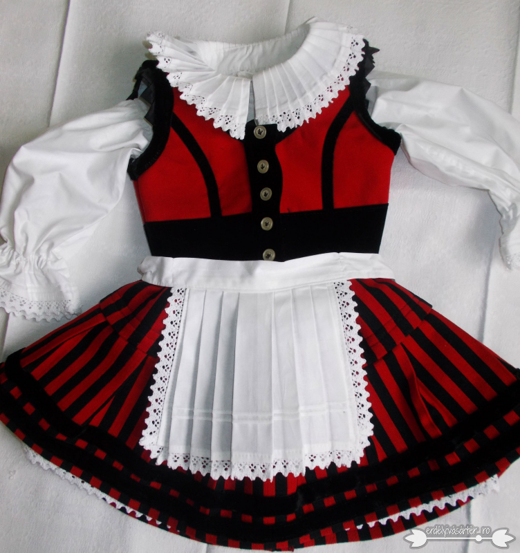ec14d832c6 Erdélyivásártér - Kislány székely ruha